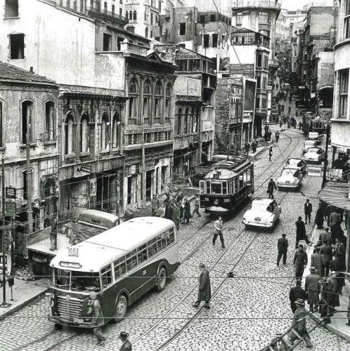 41 SENE ÖNCE BİLE VIZIR VIZIRDI!