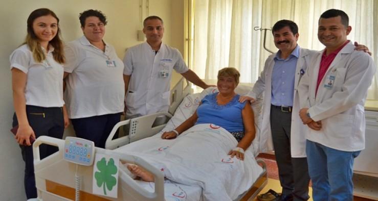 Rus uyruklu kadın ameliyat için Alanya'yı tercih etti