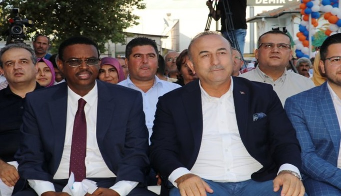Bakan Çavuşoğlu Antalya'nın her yerinde var