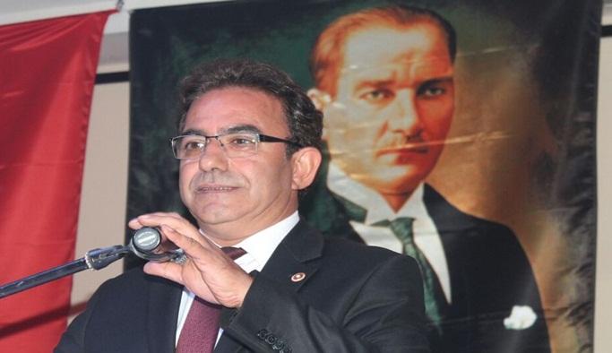 """Budak: """"Atatürk anıtı kaldırıldığı yere konulmalı"""""""