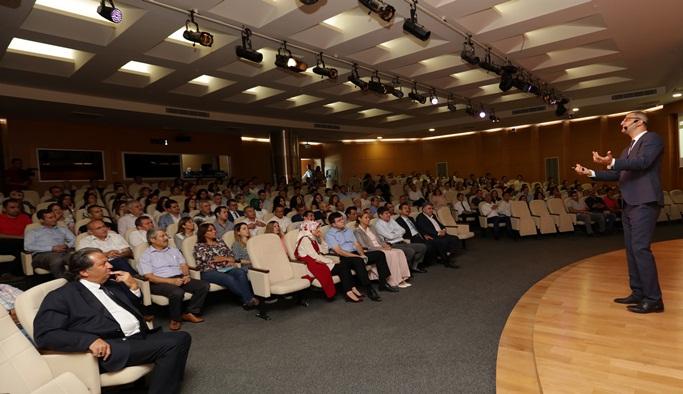 Büyükşehir personeline 'Temsil ve Protokol' eğitimi