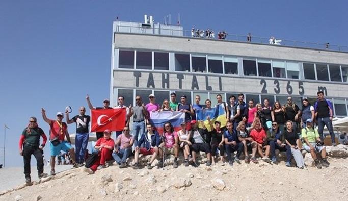 Rusya Ukrayna krizi için Antalya'da yürüyüş