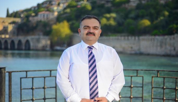 Tuna'nın ertelenen seçim açıklaması