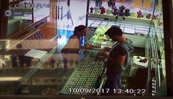 Alanya'da sahte altını satmaya çalışırken…