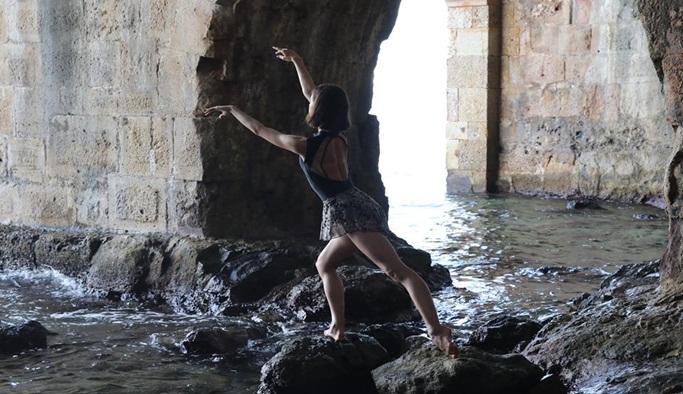 Genç balerinden Alanya enstantaneleri