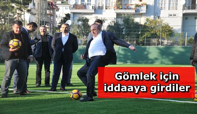 Bakan Çavuşoğlu abisiyle penaltı atışı yaptı