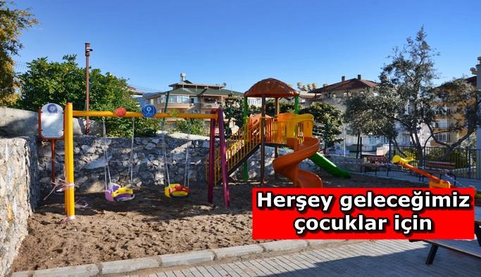 Çocuklar parkta oynayacak