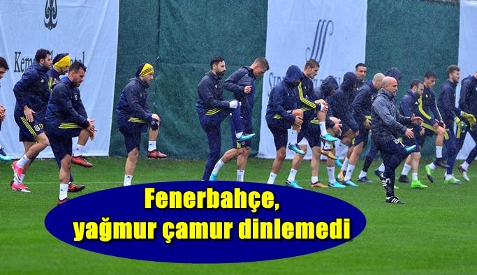 Fenerbahçe, yağmur çamur dinlemedi
