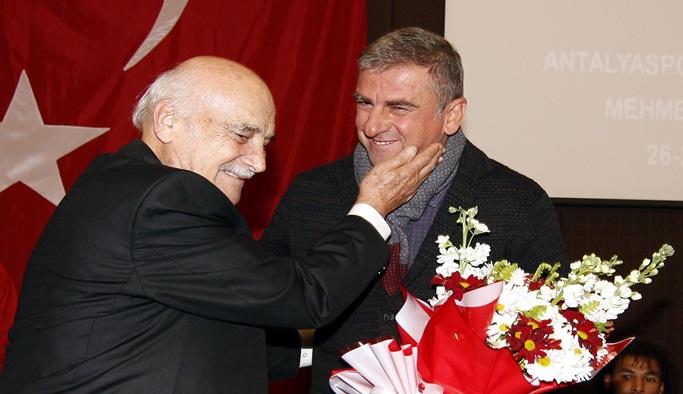 Hamza Hamzaoğlu gözyaşlarını tutamadı