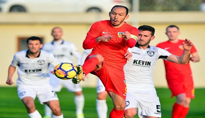 Kayserispor, Kukesi'ye 2-1 kaybetti