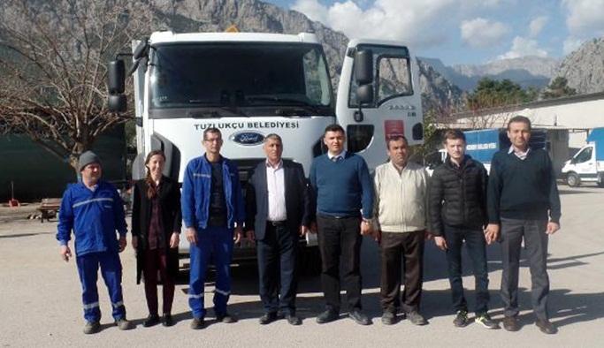 Kemer Belediyesi'nden Tuzlukçu'ya yardım