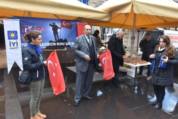 Marmaris İYİ Parti teşkilatı, Sevgililer Günü'nde lokma döktürdü