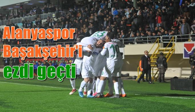 Alanyaspor, Başakşehir'i ezdi geçti!