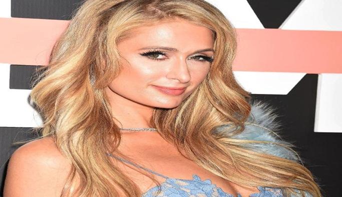 Paris Hilton, Dosso Dossi'de podyuma çıkacak