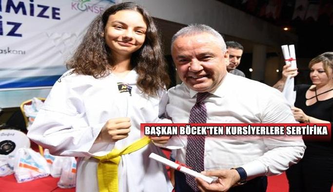Başkan Böcek'ten kursiyerlere sertifika
