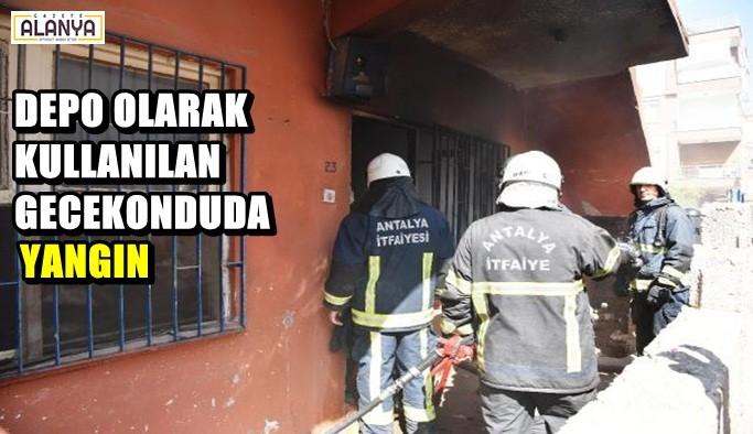 Depo olarak kullanılan gecekondu yandı