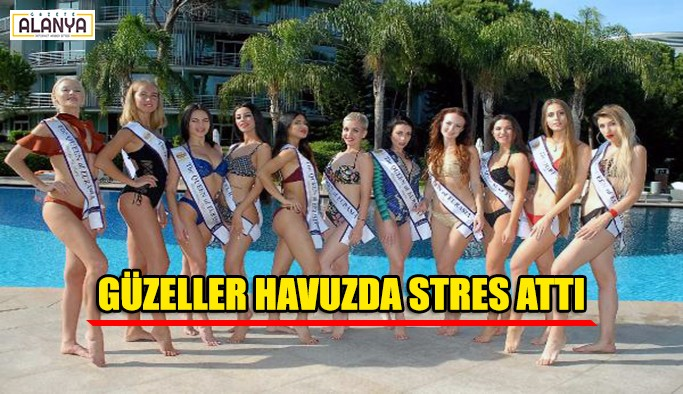 Güzeller havuzda stres attı