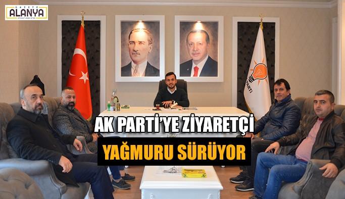 AK Parti'ye ziyaretçi yağmuru sürüyor
