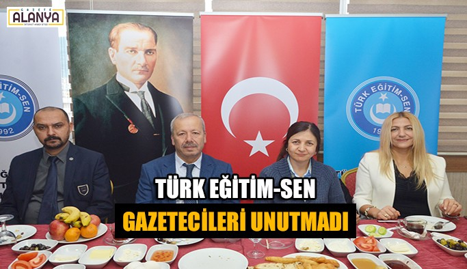 Türk Eğitim-Sen gazetecileri unutmadı