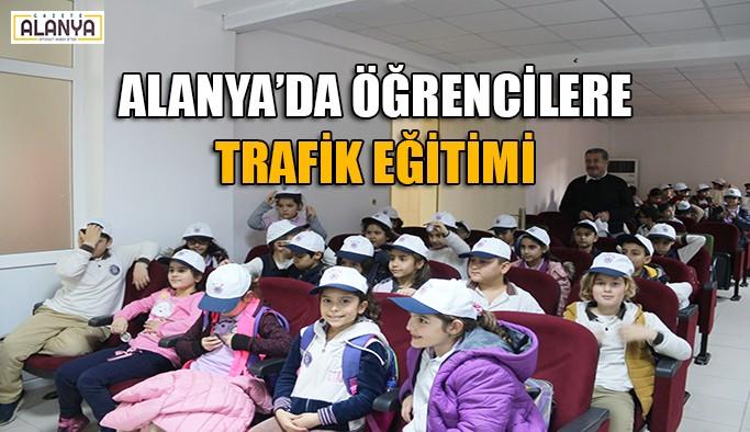 Alanya'da ilkokul öğrencilerine trafik eğitimi