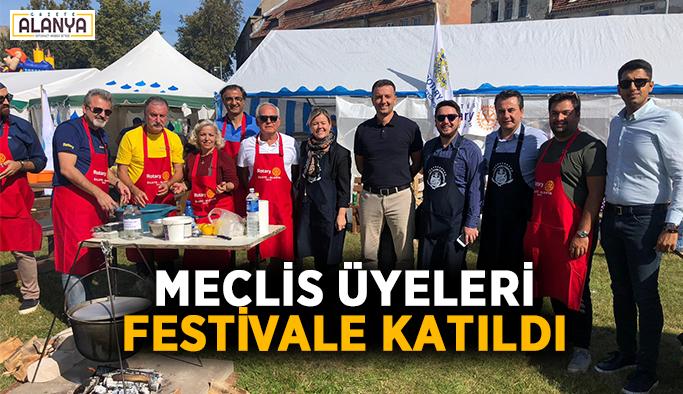 Meclis üyeleri Litvanya'da festivale katıldı