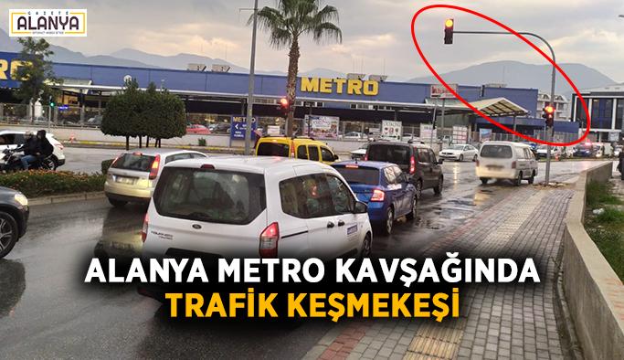 Alanya Metro kavşağında trafik keşmekeşi