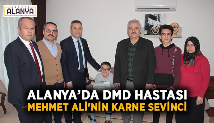 Alanya'da DMD hastası Mehmet Ali'nin karne sevinci
