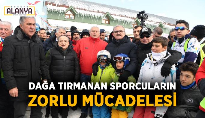 Antalya'da dağa tırmanan sporcuların zorlu mücadelesi