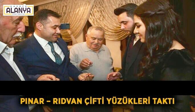 Pınar – Rıdvan çifti nişan yüzüklerini taktılar
