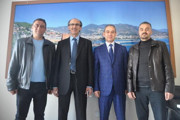 ALAADDİN KEYKUBAT ÜNİVERSİTESİ REKTÖRÜ GAZETEALANYA.COM DA