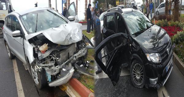 Alanya feci kaza 2 yaralı