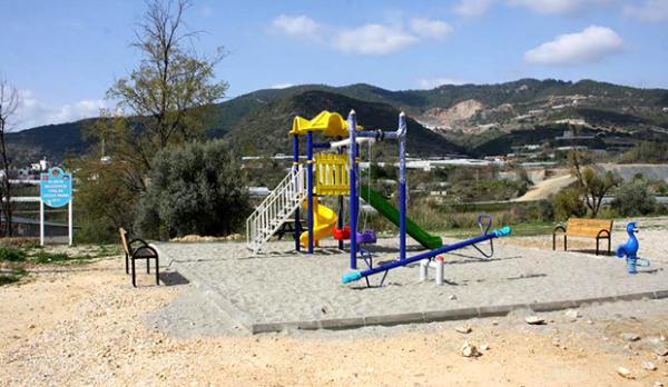 Alanya'da 3 mahalleye daha çocuk parkı