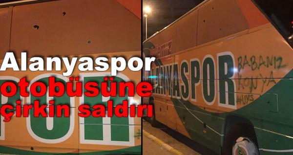 Alanyaspor otobüsüne Konya'da taşlı saldırı
