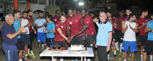 Alanyaspor'da kutlama yapıldı