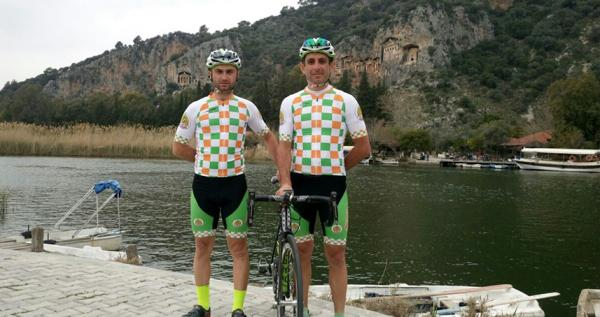 Alanyasporlu bisikletçilerden çifte mesai