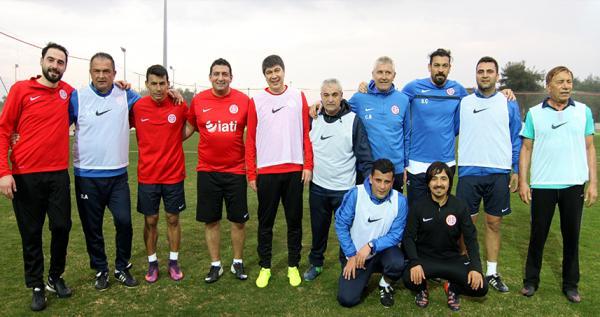 Başkan Türel futbolda hünerlerini sergiledi