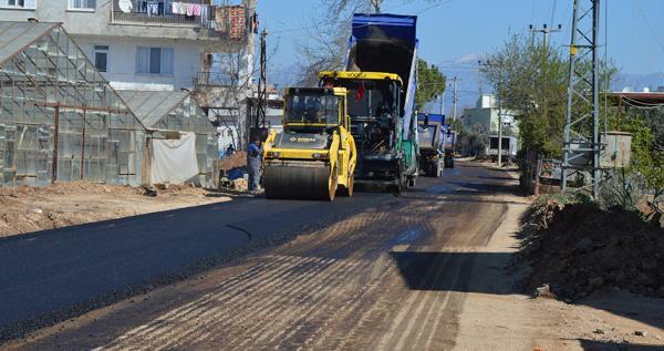 Büyükşehir Belediyesi\\\\\\\'nden sıcak asfalt