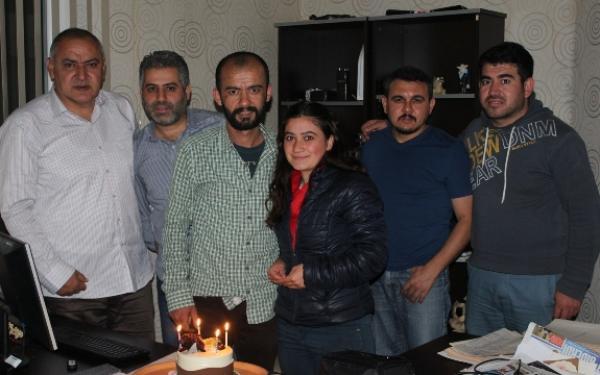 Cengiz'e 'Yanık' kutlama