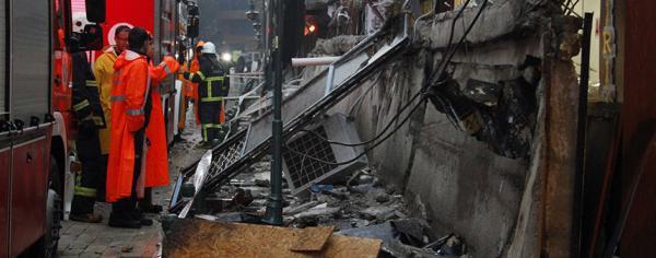 Faciadan dönüldü: Balkon çöktü