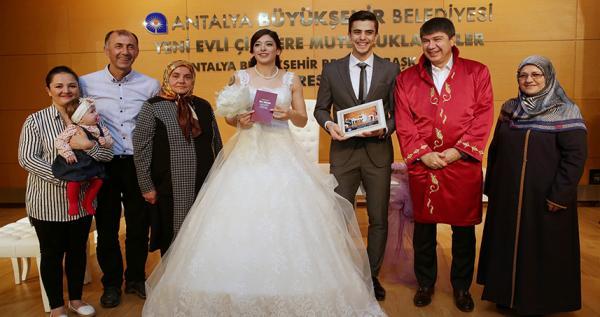 Milli tekvandocu Tatar\\\\\\\'ın nikah şahidi Türel oldu