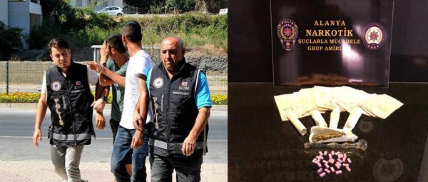 Otomobille uyuşturucu ticareti yapanlar yakalandı