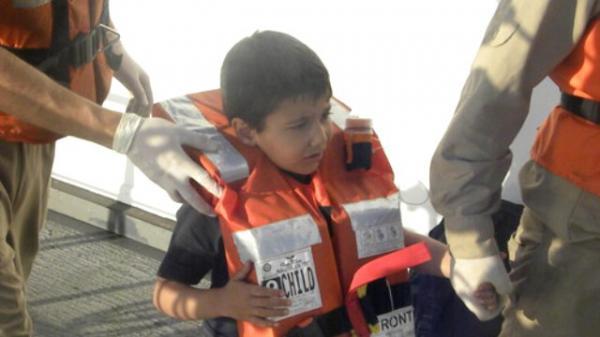 Sahil Güvenlik'ten Kaçaklara Film Gibi Operasyon