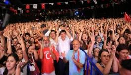 Zafer Bayramı'nda Murat Boz coşkusu