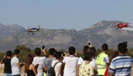 Gösteri uçakları nefes kesti