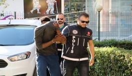 Uyuşturucu kaçakçıları alem yaparken yakalandı