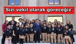AK Parti'li Uslu öğrencileri ağırladı