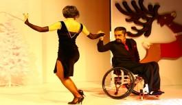 Tekerlekli sandalyeyle yaptıkları dansla etkilediler
