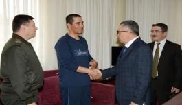 'Zeytin Dalı Harekatı'nda yaralanan yüzbaşı baba ocağında