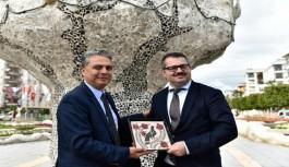 Azerbaycan Büyükelçisi, Azerbaycan Kültür Parkı'nı gezdi