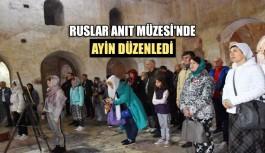 Ruslar Anıt Müzesi'nde ayin düzenledi